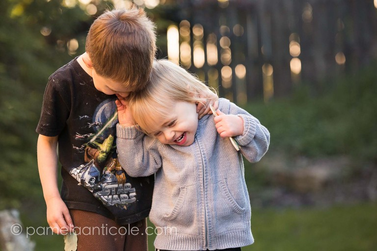 pittsburgh lifestyle family photographer, brothers playing together outside