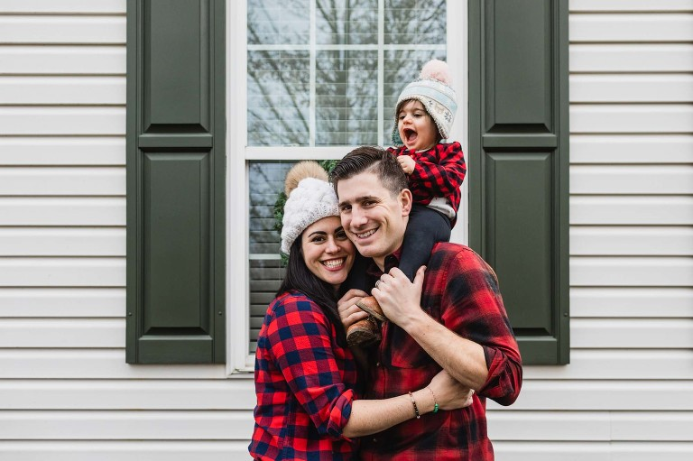 family photography at home in front of your house