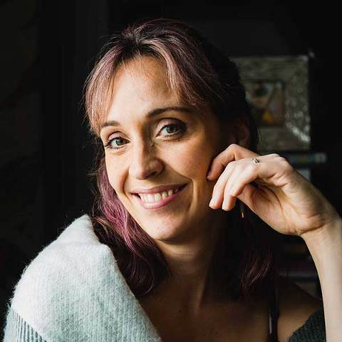 candid portrait of pittsburgh photographer pamela anticole